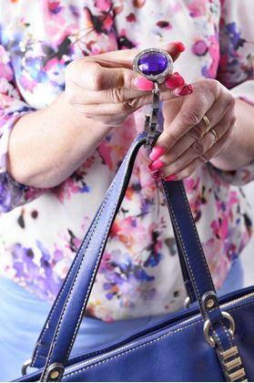 Obrázek z Háček na kabelku - fialový